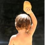 enfant de dos biscote