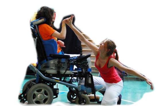 Une handicapée et sa psychomotricienne au spectacle Handidanse 2009